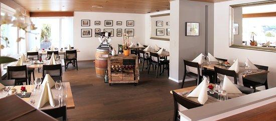 """Restaurant,- Garten & Hotelzimmer """"Hecht"""" in Rheineck"""